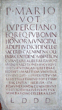 Lapide onoraria di Publio Mario Luperciano, Bergamo basilica di S.Alessandro, fine I-inizio II sec. d.C.