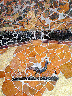 Frammento di parete affrescata con un pavone, Bergamo domus di via Arena, I sec. d.C.